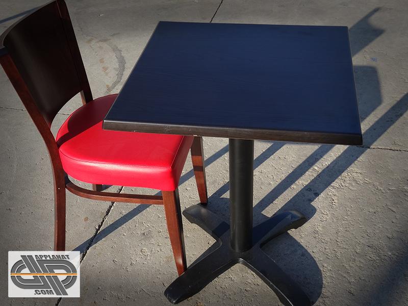 lot complet 32 chaises bois assises rouges occasion vendu
