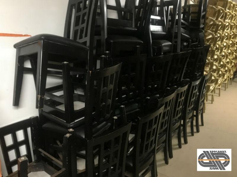 Liquidation Mobilier De Restaurant Lot 35 Chaises Noires Structure Bois Assise Simili Cuir Occasion Nous Consulter