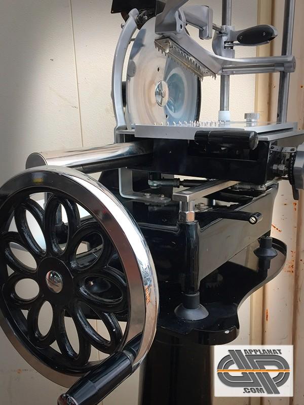 Trancheuse manuelle 300mm noire type berkel par wismer - Machine a couper le jambon manuelle ...