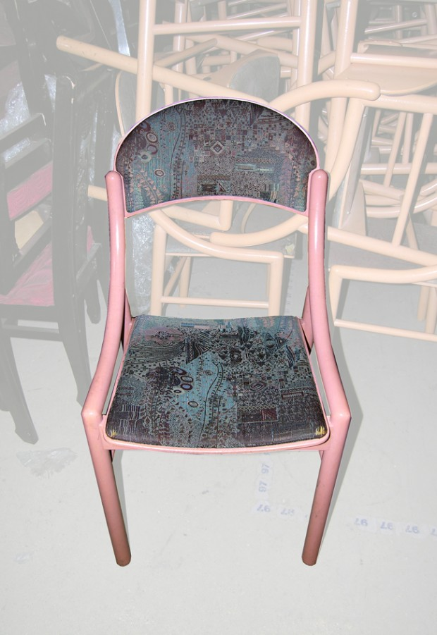 Lot de 70 chaises occasion nous consulter for Chaise annee 70 occasion
