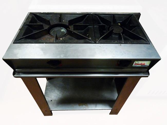 plaque 2 feux gaz sur socle morice occasion 750 00 ht. Black Bedroom Furniture Sets. Home Design Ideas