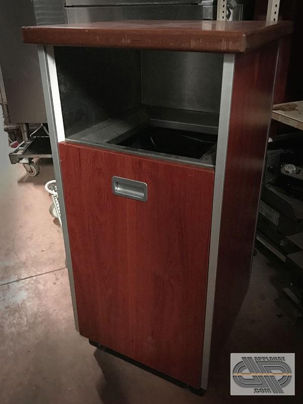 meuble poubelle de restaurant fast food snack self chr occasion nous consulter. Black Bedroom Furniture Sets. Home Design Ideas
