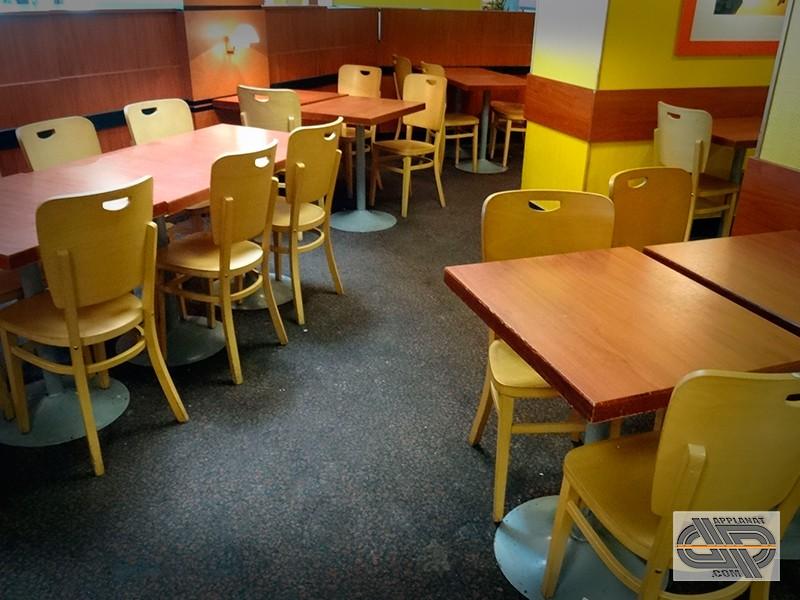mobilier de restaurant chaise de cafeteria lot impotant occasion vendu. Black Bedroom Furniture Sets. Home Design Ideas