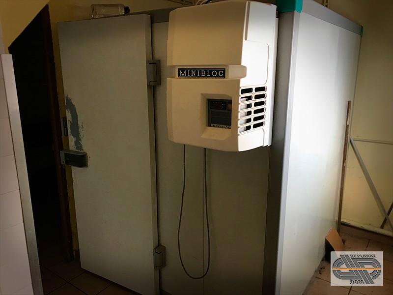 petite chambre froide 5m3 avec monobloc alimentation 220 volts occasion 3 100 00 ht. Black Bedroom Furniture Sets. Home Design Ideas