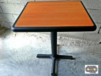 Lot 15 tables CHR - PLYMOLD gamme Quick Ship