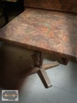 Lot de 8 tables marrons 70 x 70 cm
