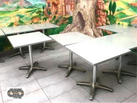 Lot 14 tables avec plateau Werzalit