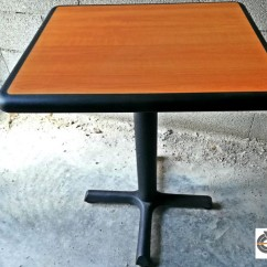 Lot 15 tables CHR - PLYMOLD
