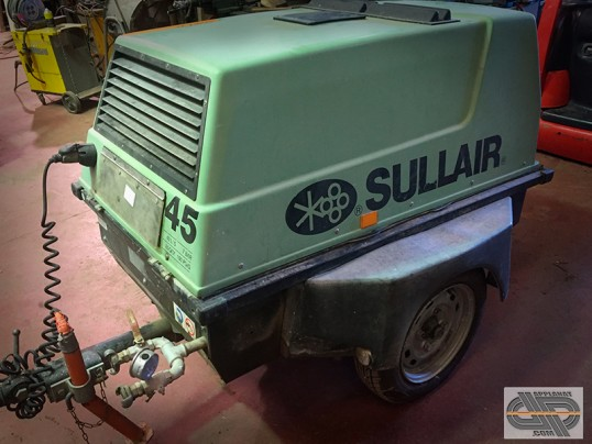 Compresseur  SULLAIR S 45 de chantier remorque 7 bars – 2,4 m3/h - 40 L/s
