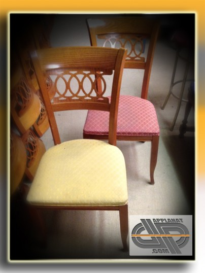 22 chaises bois massif assise tissus brod occasion vendu. Black Bedroom Furniture Sets. Home Design Ideas