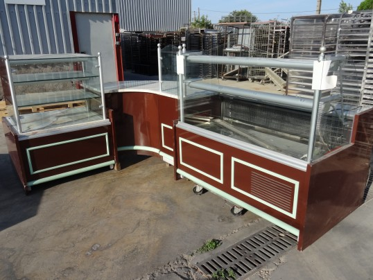 ensemble vitrine boulangerie 2m20 x 3m15 paneti re jordao isotech occasion vendu. Black Bedroom Furniture Sets. Home Design Ideas