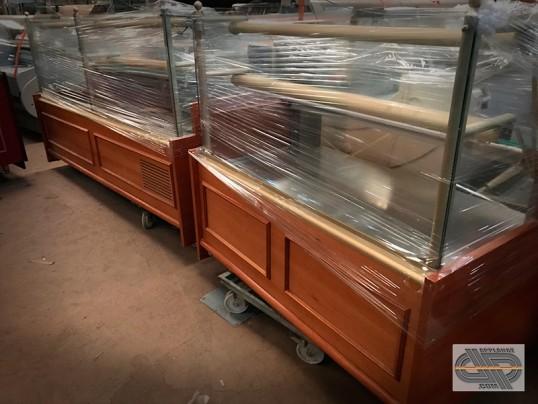 ensemble vitrines de magasin 2m50 r frig r 1m50 neutre occasion vendu. Black Bedroom Furniture Sets. Home Design Ideas