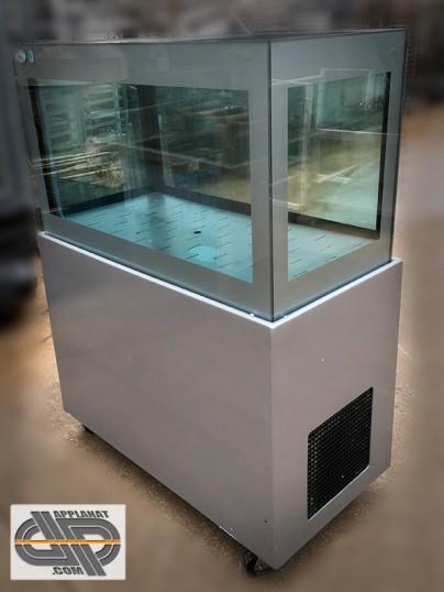 Vivier aquarium 300 litres adriatic sea intl mercury for Aquarium 50 litres occasion