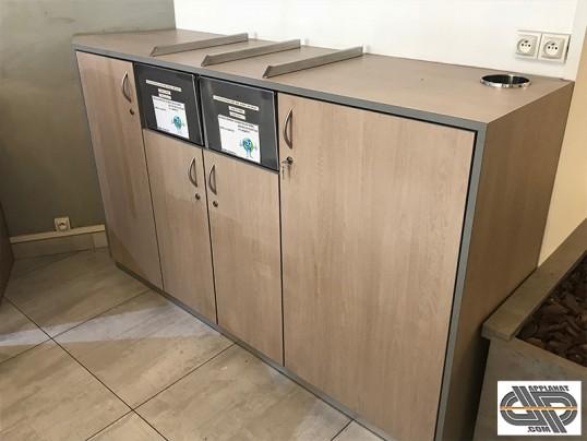 Meuble pour salle de restaurant 2 poubelles et rangements multiples occasion nous consulter - Meuble pour caisse enregistreuse ...
