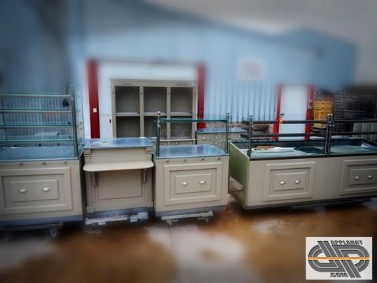 ensemble de mobilier pour boutique boulangerie p tisserie style r tro occasion vendu. Black Bedroom Furniture Sets. Home Design Ideas