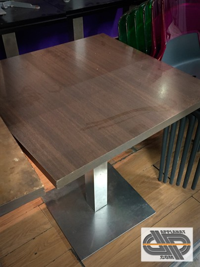 lot de 5 tables bar 70 x 70 occasion vendu. Black Bedroom Furniture Sets. Home Design Ideas