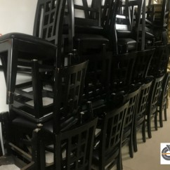 Liquidation mobilier de restaurant | Lot 35 chaises noires | structure bois & assise simili cuir